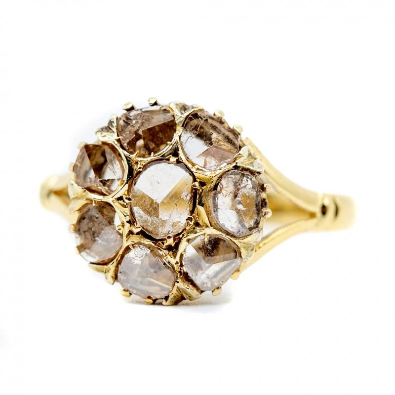 Anello con diamanti taglio antico
