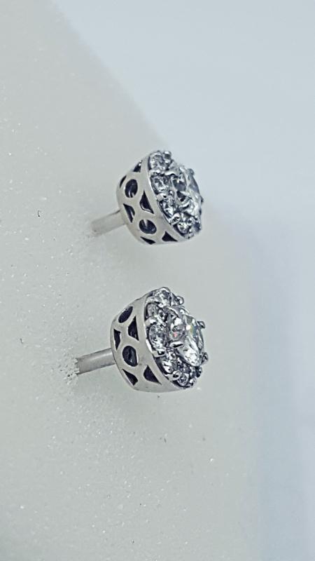 Orecchini a toppa con diamanti img - 3