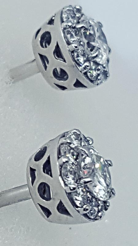Orecchini a toppa con diamanti img - 2