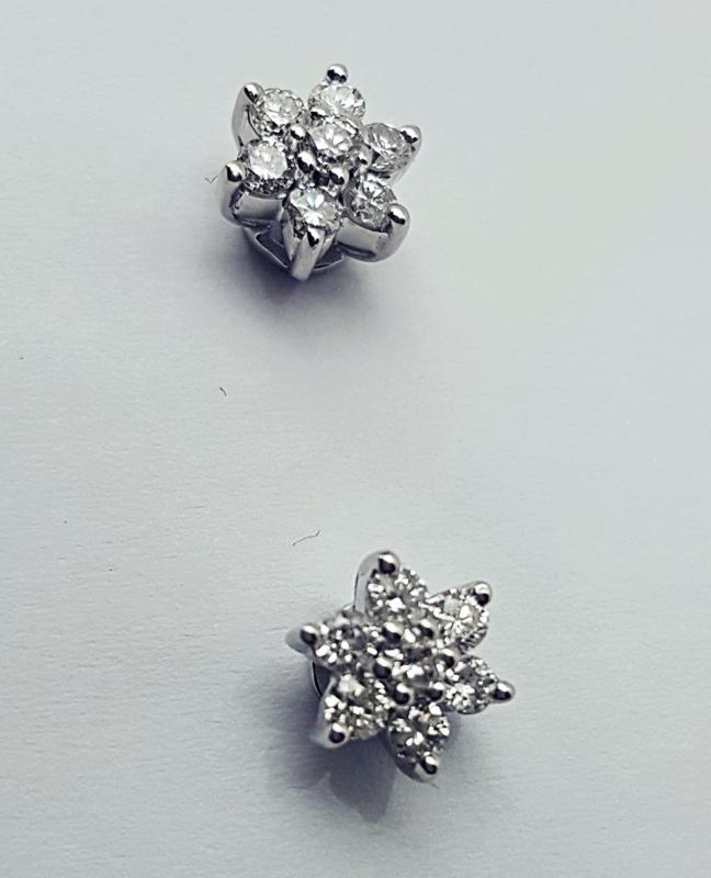 Orecchino fiore con diamanti img - 3