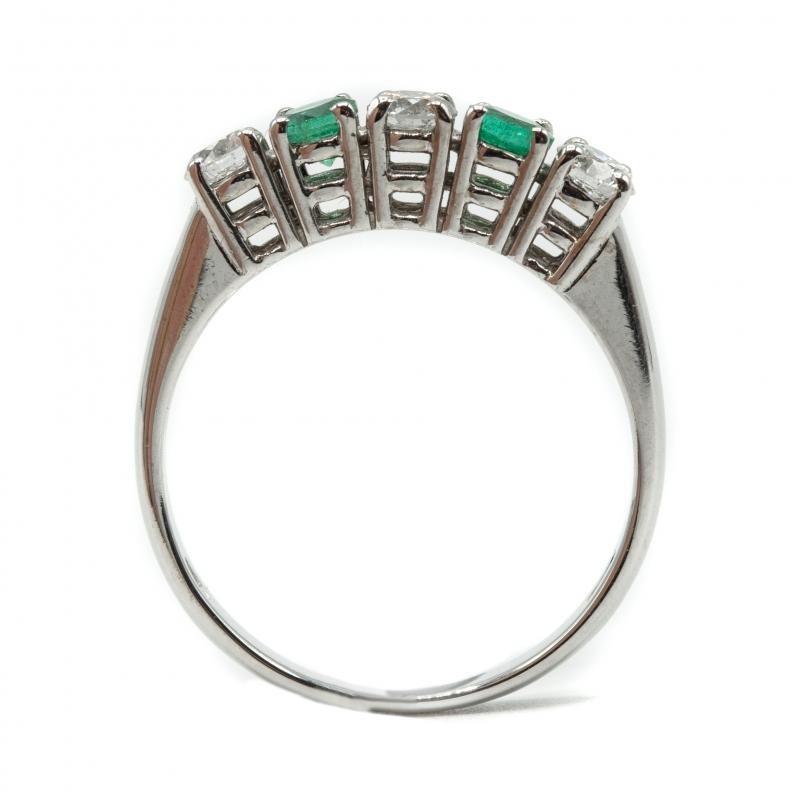 Veretta con diamanti e smeraldi img - 3